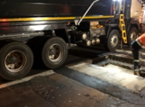 Grab Truck - 8 Wheel Tipper w/Grab Crane 9