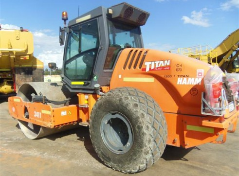 Hamm 3411 11T Smooth Drum Roller  2