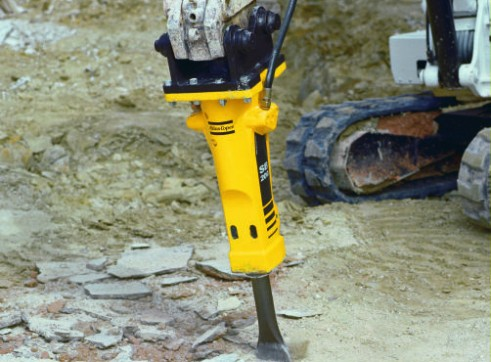 2.5-6T Hydraulic Hammer / Rock Breaker 1