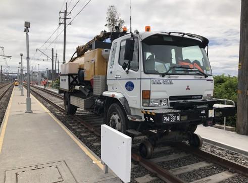 Hi rail vac truck 1