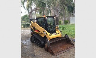 High Flow 257B Cat Skid Steer Track A/C Cab 1