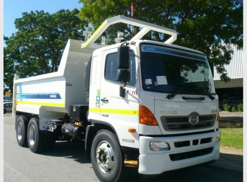 Hino FM 500 2426 Tippers 3