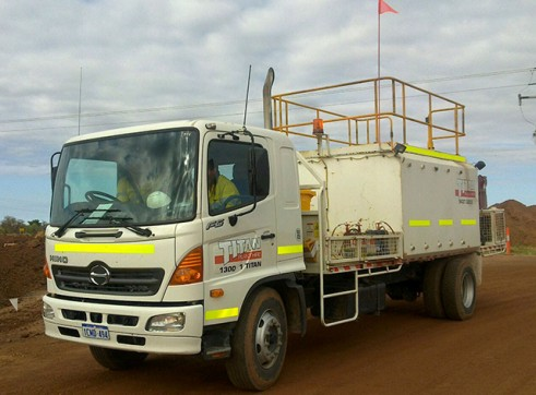 Hino GFIJ Service Truck  1
