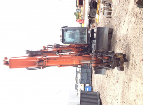 Hitachi Hi-Rail Rubber Tyre Excavator 4