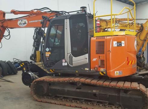Hitachi Hi-Rail Tracked Excavator 1