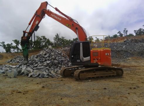 Hitachi ZX 225 ULSC Excavator 2