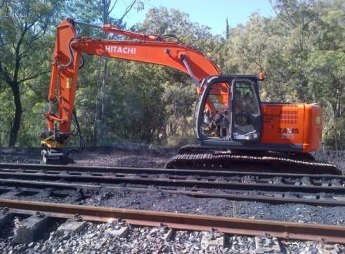 Hitachi ZX225 LC Excavator