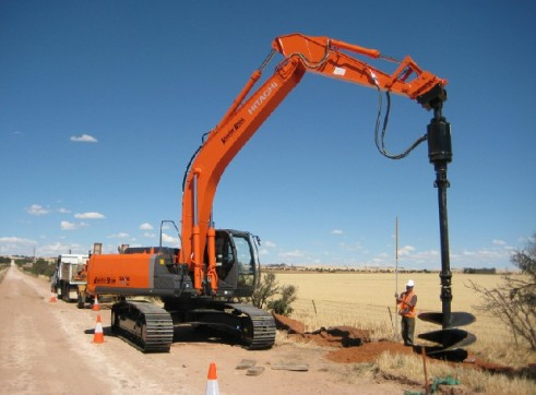 Hitachi ZX270 Excavator  1