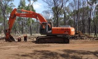 Hitachi ZX330 Excavator 1