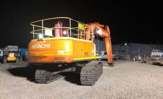 35T Hitachi ZX350 Excavator 1