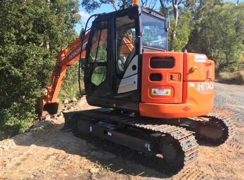 Hitachi ZX85 Mini Excavator , 8 ton  2