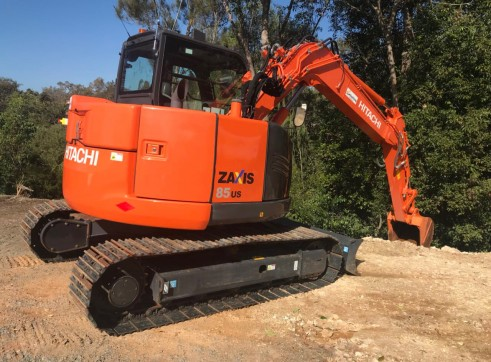 Hitachi ZX85 Mini Excavator , 8 ton  3