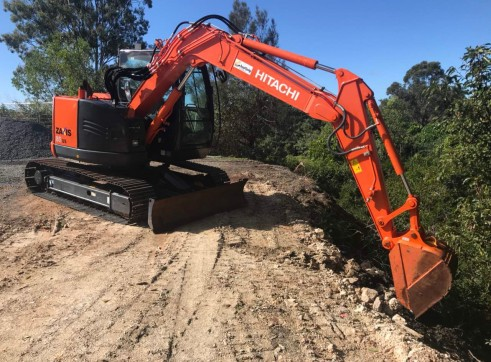Hitachi ZX85 Mini Excavator , 8 ton  1
