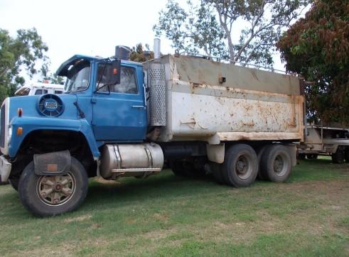 HV02 - Water/Tip Truck 1