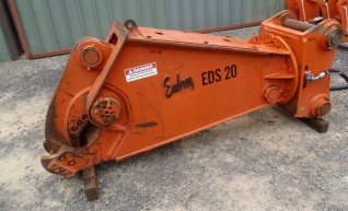 Hydraulic and Manual Steel and Wood Shears 1