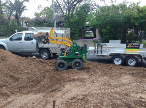 Hydraulic Tipper Trailer Hire Construction Equipment in Brisbane Qld  Machi 2