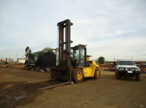 HYSTER FORKLIFT 10 TON 1