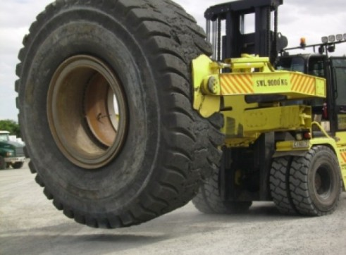 Hyster H18.00XMS-12 Tyre Handler 1