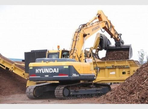 Hyundai 21T R210LC-9 Excavator 3