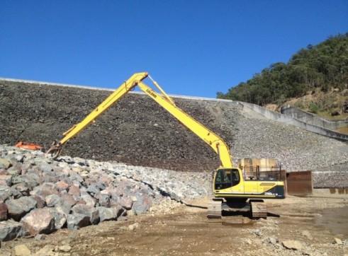Hyundai 290-9 Longreach Excavator 1