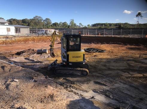 Hyundai 3.5 tonne Excavator 3