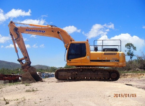 Hyundai 320LC-7 Excavator 32T Available for Hire 1