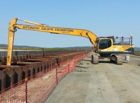 Hyundai 380-9 LC Longreach Excavator 1