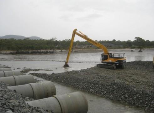 Hyundai 380-9 LC Longreach Excavator 2