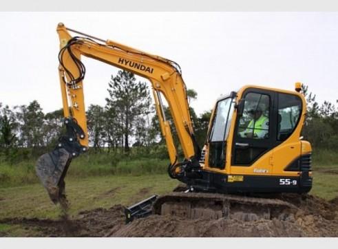 Hyundai 5.5T R55-9 Mini Excavator 1