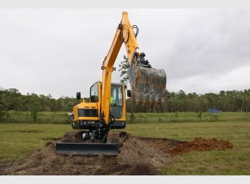 Hyundai 5.5T R55-9 Mini Excavator 3