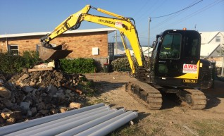 Hyundai 55-7A Excavator 1