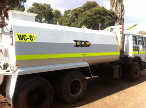 INTERNATIONAL 6X4 WATER CART 13500LT READY TO GO. WET OR DRY HIRE 2
