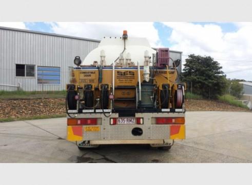 International Navistar Site Service Truck - 10,800L Fuel + lubes 11