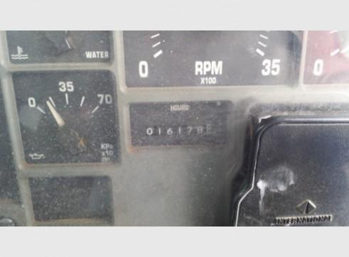 International Navistar Site Service Truck - 10,800L Fuel + lubes 13
