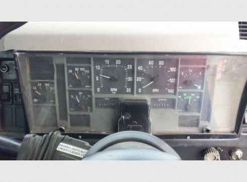 International Navistar Site Service Truck - 10,800L Fuel + lubes 14