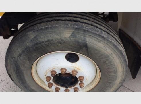 International Navistar Site Service Truck - 10,800L Fuel + lubes 16