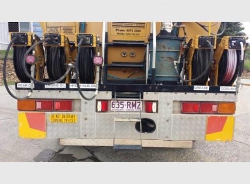 International Navistar Site Service Truck - 10,800L Fuel + lubes 5