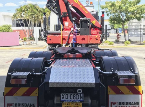 Isuzu 6x4 Prime Mover with PK18002 EH Crane 3