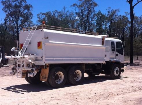 Isuzu Body Truck / Water Truck - 13,000L 1