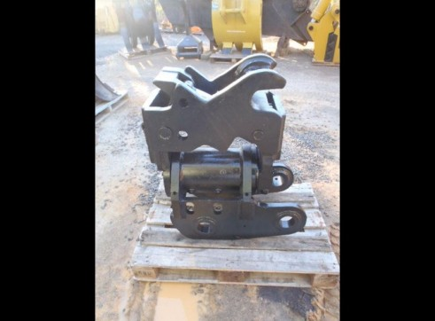 JB Tilt Hitch to suit 30T