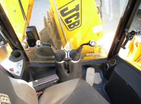 JCB 3CX 4WD Backhoe 3