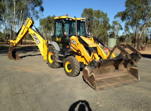 JCB 3CX Backhoe 3