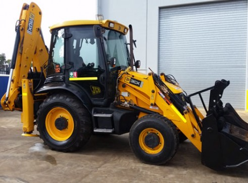 JCB 3CX BACKHOE 1