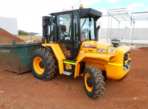 JCB 940-4 All Terrain Forklift 1