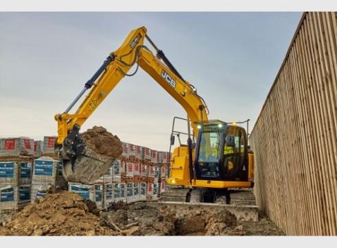 JCB JZ140 Excavator 14 Tonne Digger Hire 2