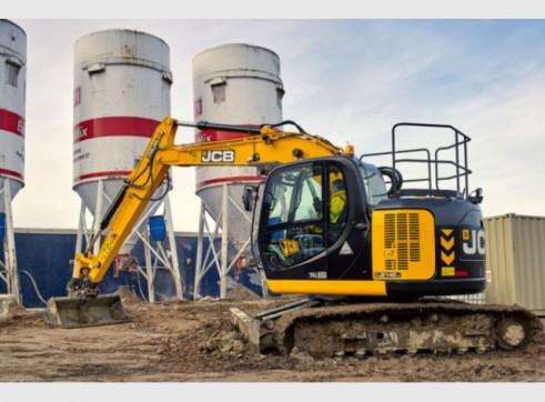JCB JZ140 Excavator 14 Tonne Digger Hire 1
