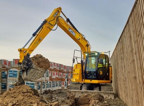 JCB JZ140 Excavator 14 Tonne 2