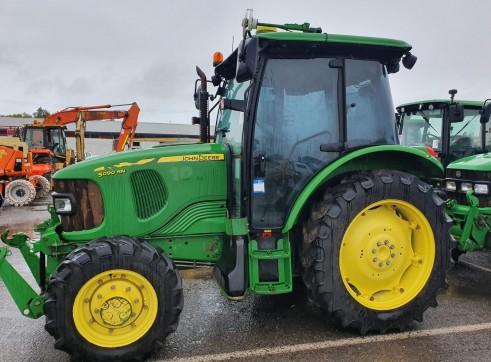 90HP John Deere 5090R 4WD Tractor 1