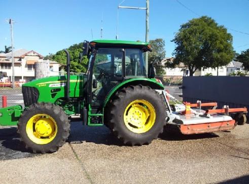 John Deere 5093 Tractor 1