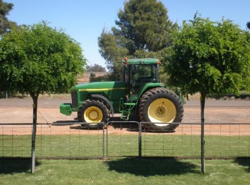 John Deere 8400 Tractor 260Hp 2